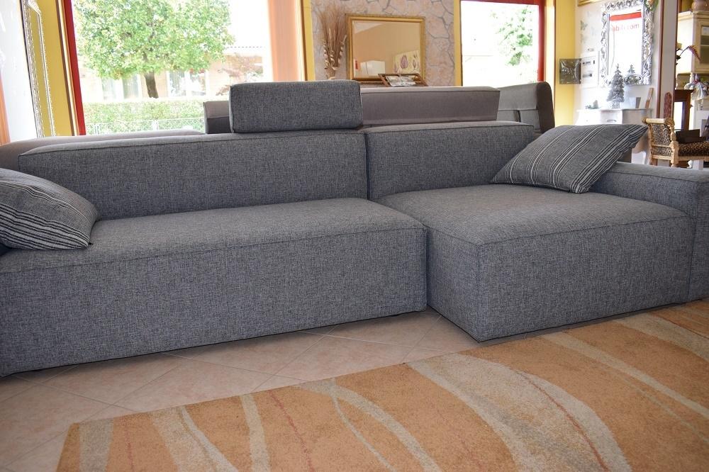 Divano schienale basso con chaise longue in cotone grigio for Divano moderno