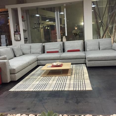 Divano swan hemingway divani con chaise longue divani a for Salone del mobile prezzi