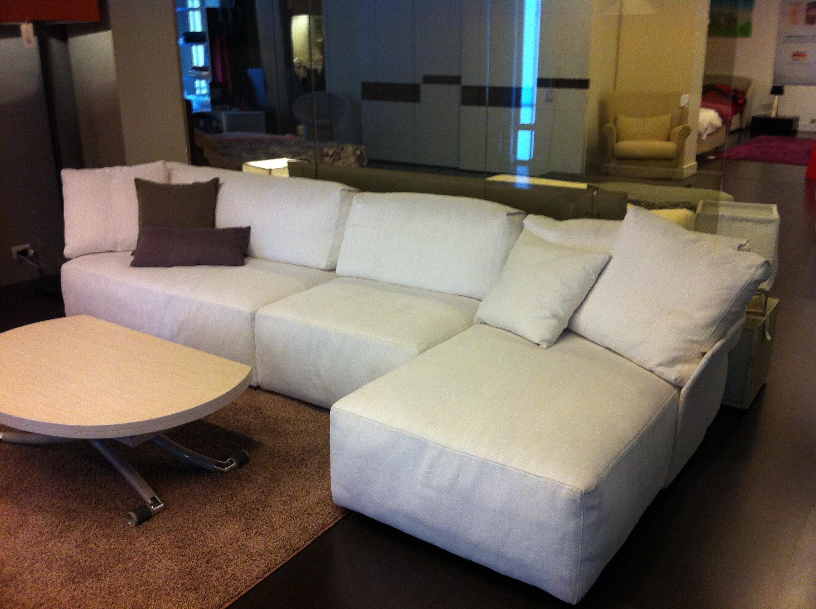 Divano swan in offerta 9816 divani a prezzi scontati - Cerco pouf letto ...