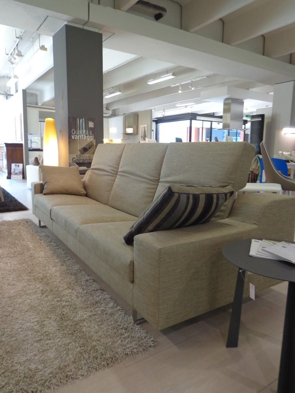 Divano sydney sottocosto divani a prezzi scontati - Rivestimento divano costo ...