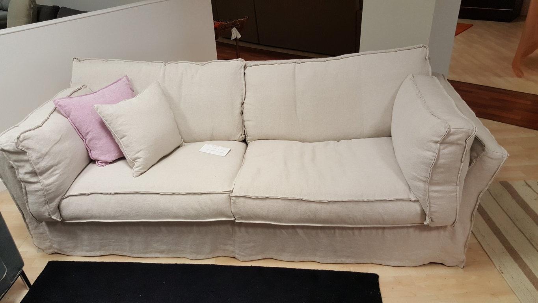 Divano tessuto cava charme scontato del 39 divani a for Divano tessuto