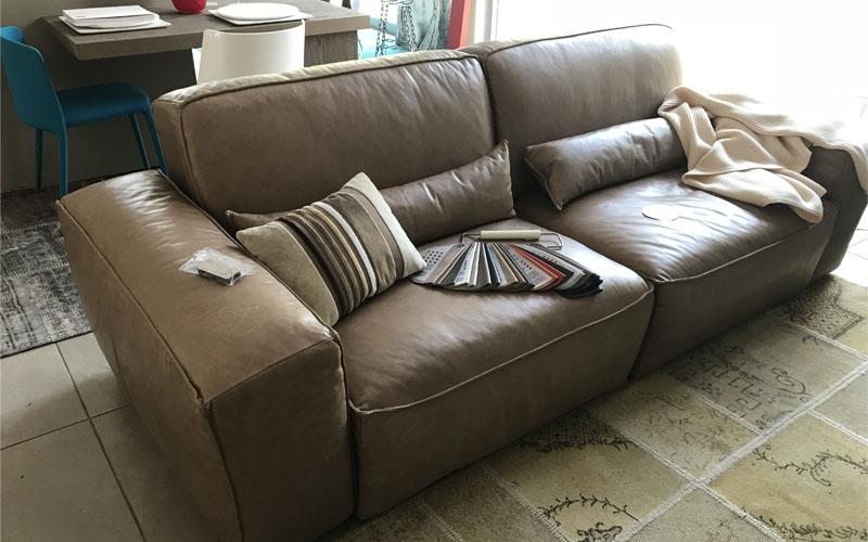 Divano in pelle delta salotti in sconto divani a prezzi for Migliore marca divani