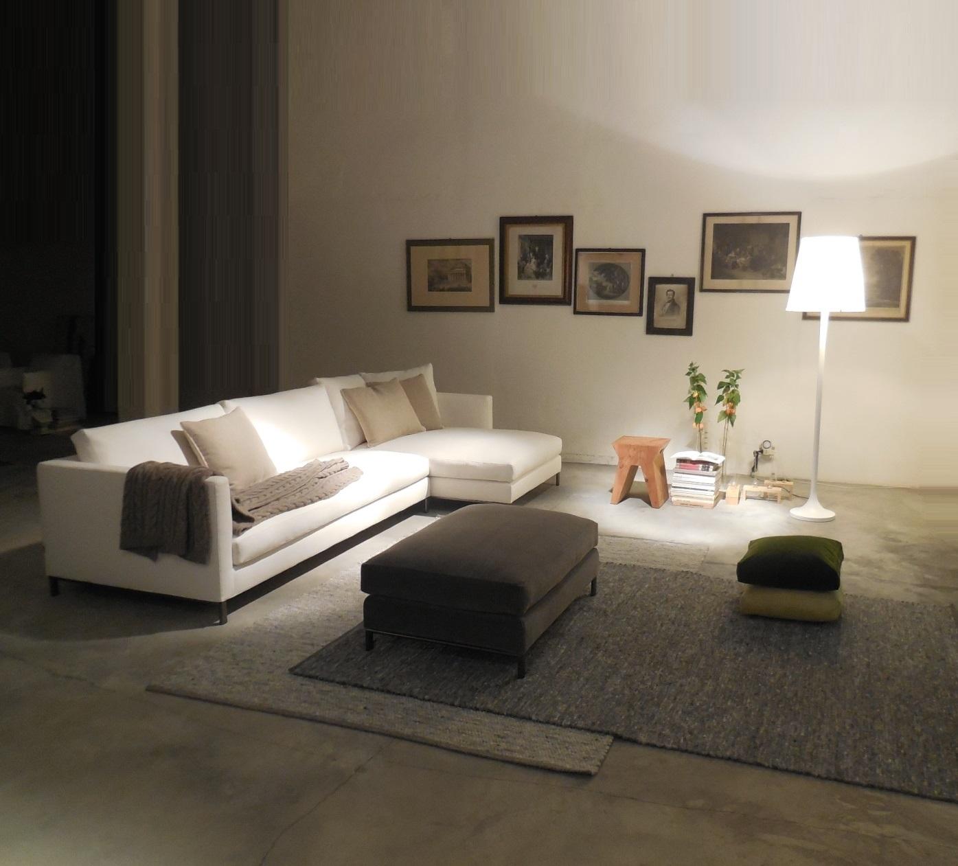 Divano verzelloni divano hampton penisola pouf componibile for Vendita online divani