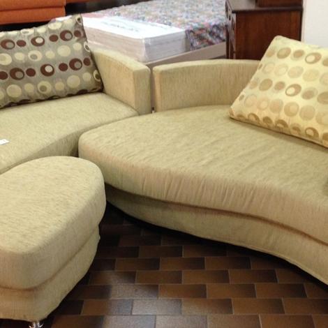 Divano vidori salotti divano sissi con puff scontato del for Puff divano