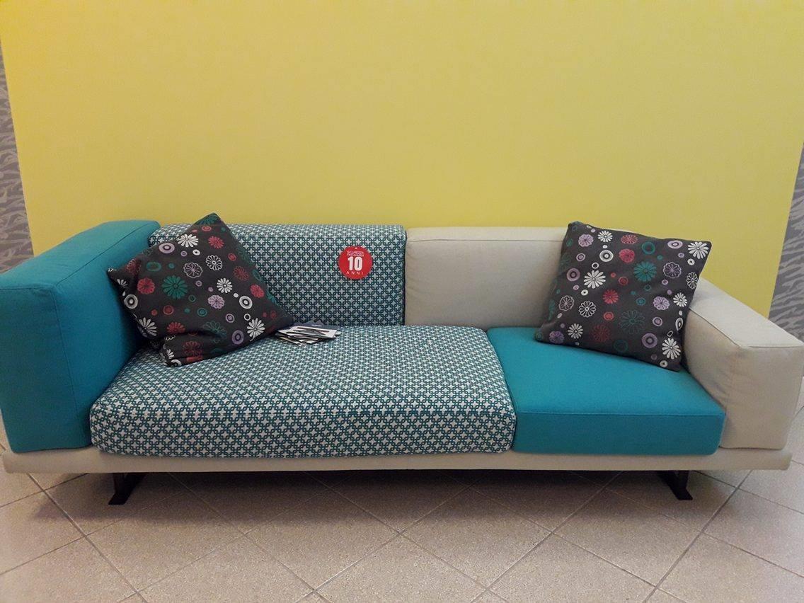 Outlet divani offerte divani online a prezzi scontati - Mimo divani prezzi ...