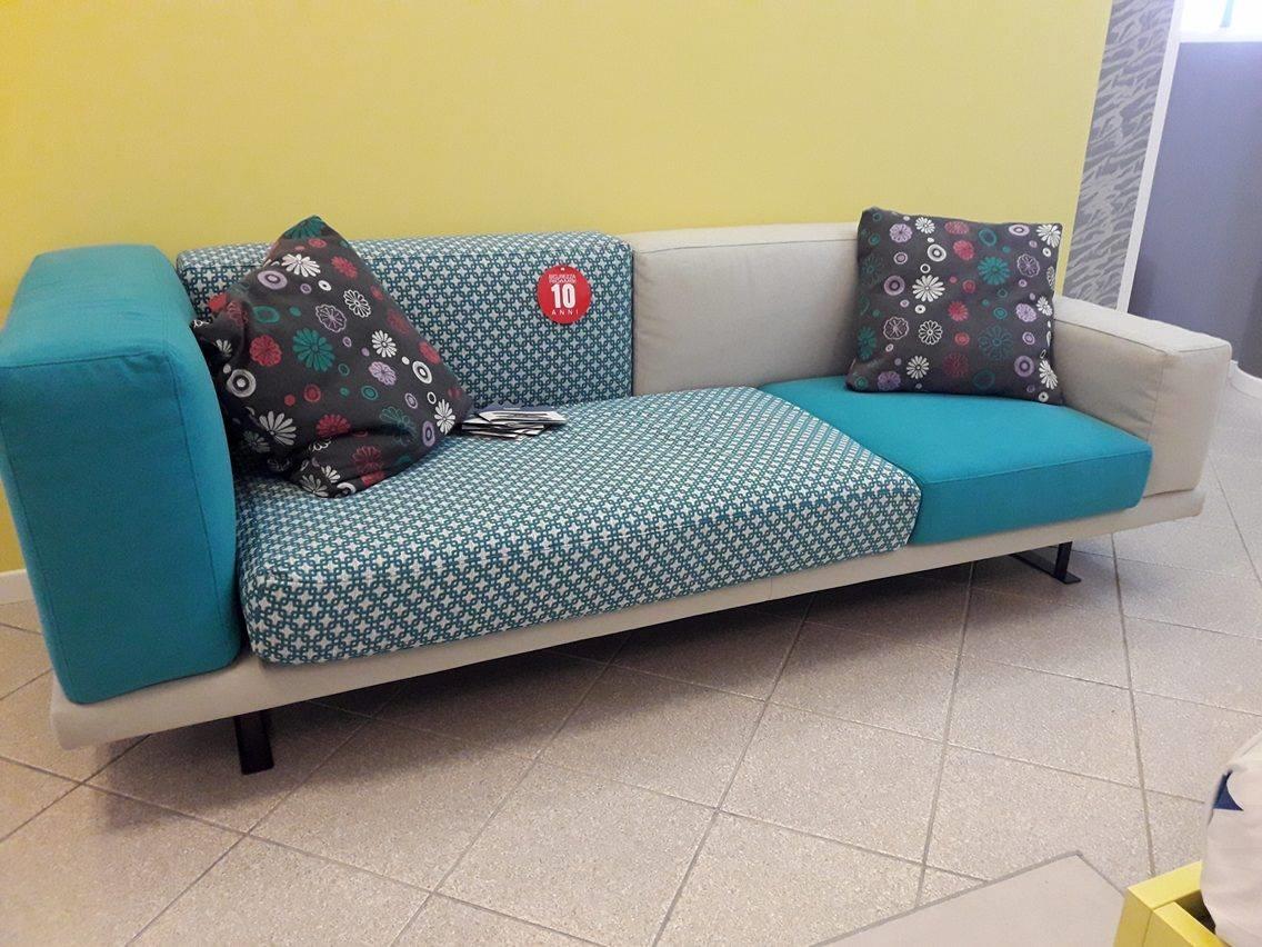 Doimo salotti divano under divani lineari tessuto divano 3 - Divano 3 posti divano 2 posti ...
