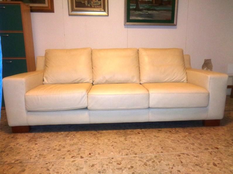Doimo sofas divano divano pelle noah doimo sofas scontato - Pelle del divano rovinata ...