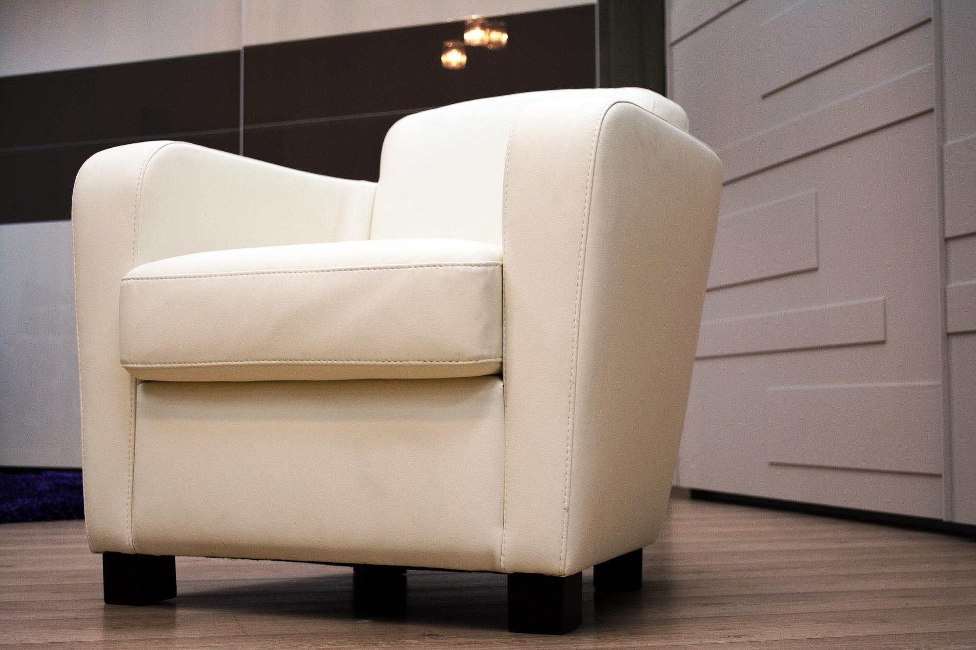 Elite poltrona pelle bianco 57 divani a prezzi scontati - Divano pelle bianco ...