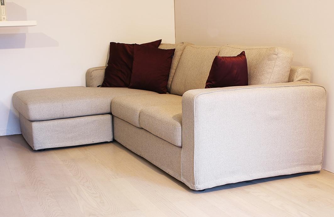 Exc divano love scontato del 50 divani a prezzi scontati for Divano 2 posti penisola