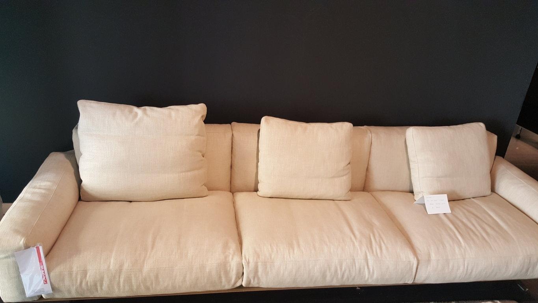 Flexform divano soft dream divani lineari tessuto divani for Rivestimento divani flexform
