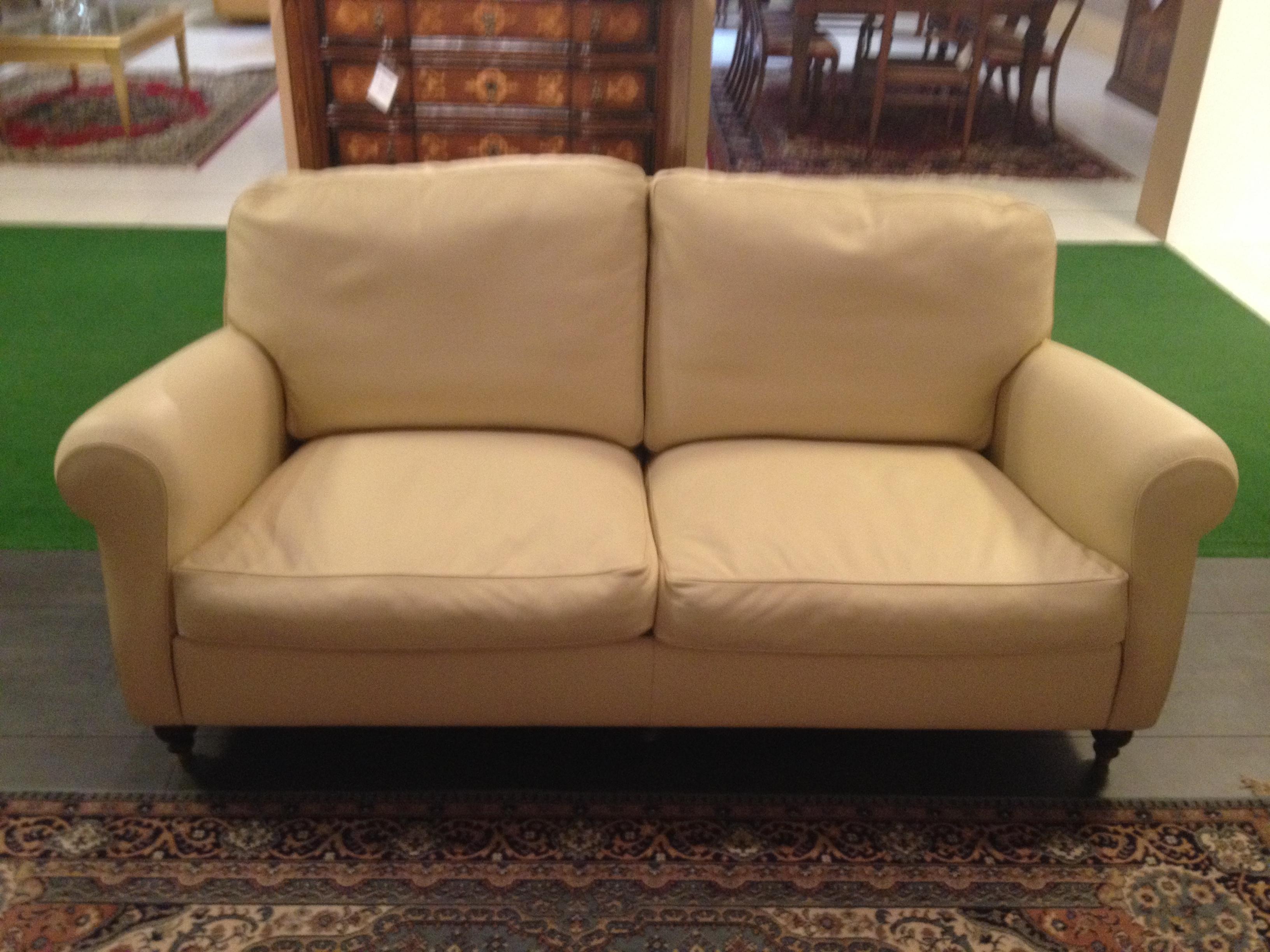 Frau divano modello george due posti large meta 39 prezzo for Divano prezzo