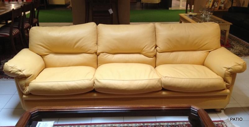 Frau divano modello poppy tre posti meta 39 prezzo divani for Poltrona frau prezzo