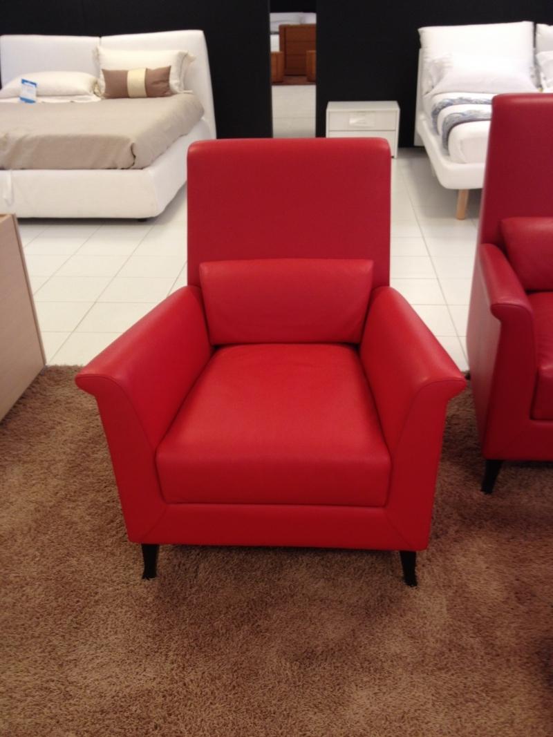 Prezzo divano affordable divano pasha tessuto grigio for Divani frau outlet