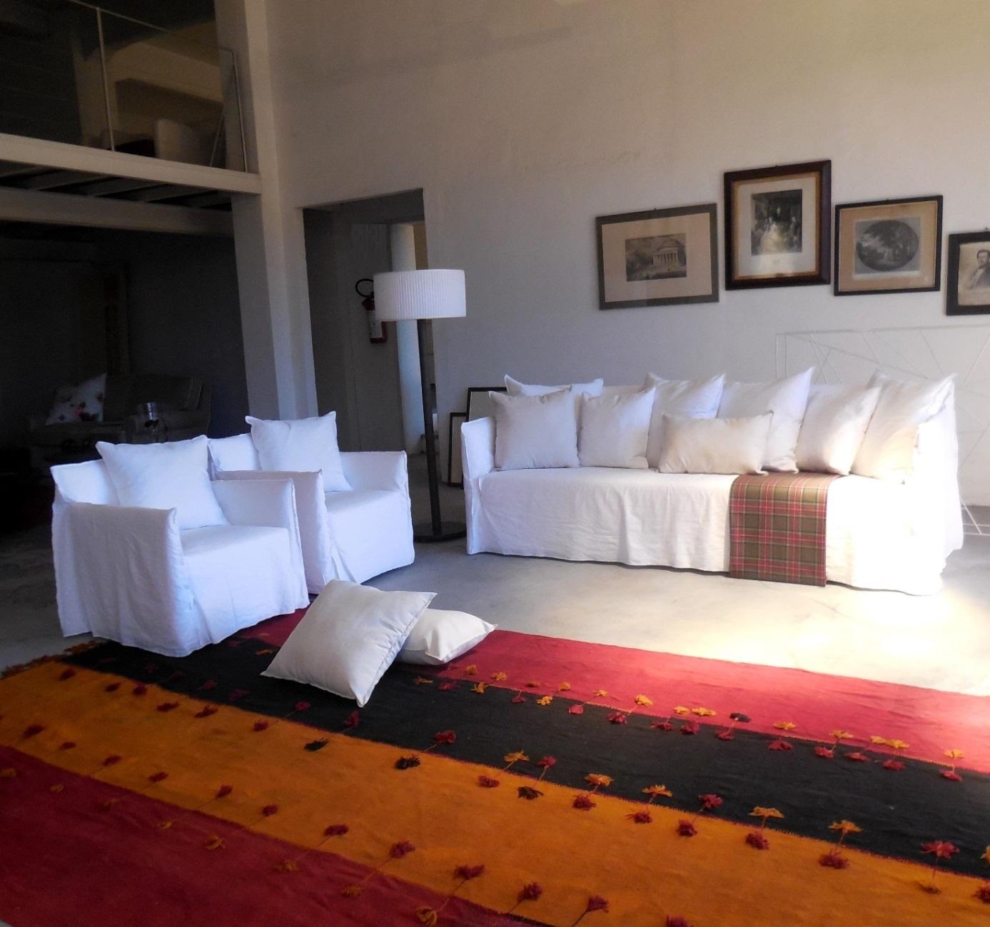 Gervasoni divano ghost divano e due poltrone design p - Poltrone design prezzi ...