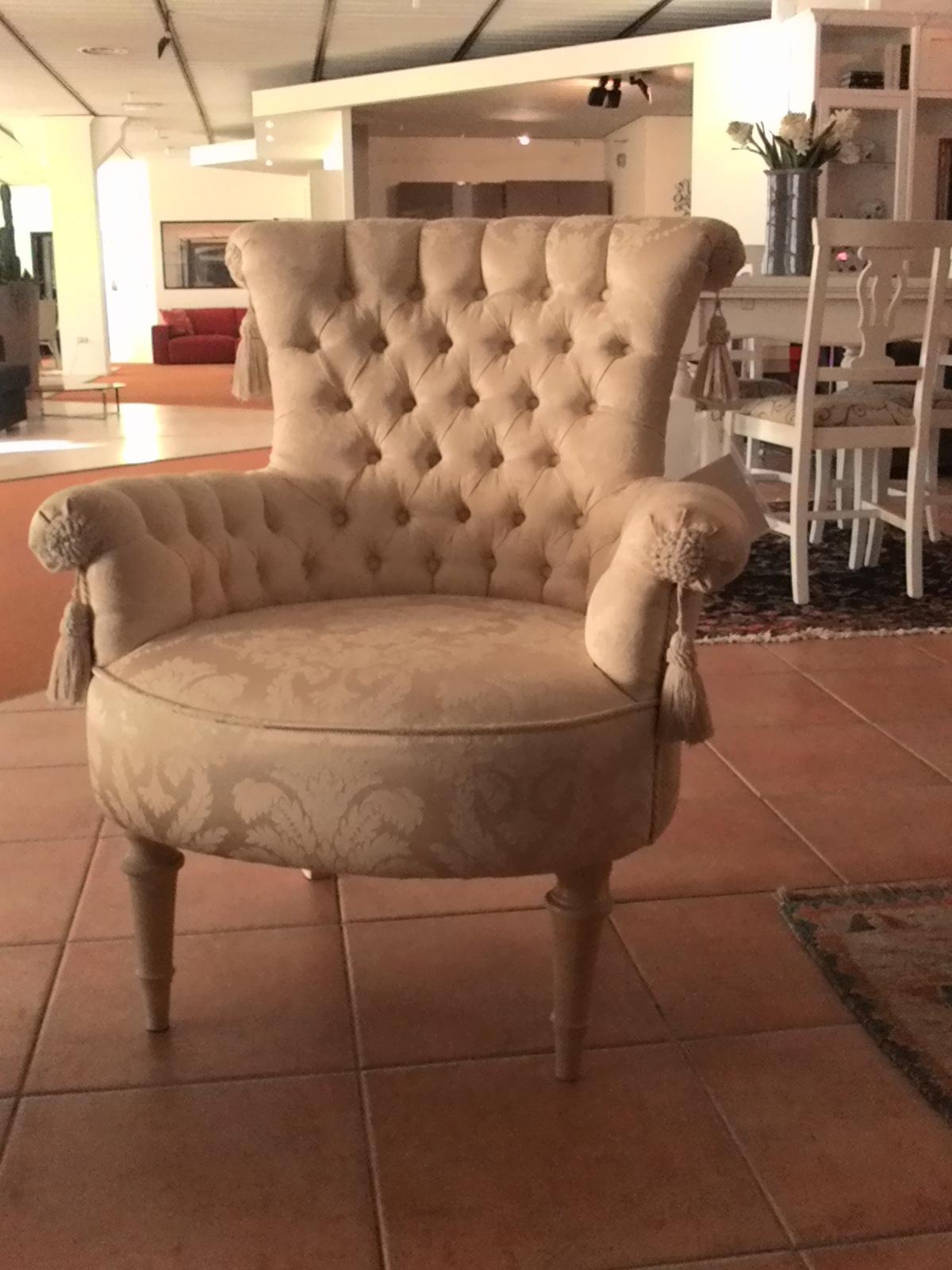 Giusti portos divano regina divani poltrone tessuto for Divano letto 1 posto