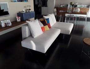 Divano nicoletti home serena divani con chaise longue for Divani air lago prezzi