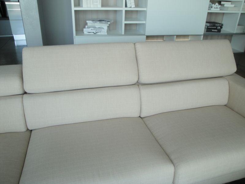 Lecomfort divano pablo divani angolari tessuto divani a for Prezzi divani angolari tessuto