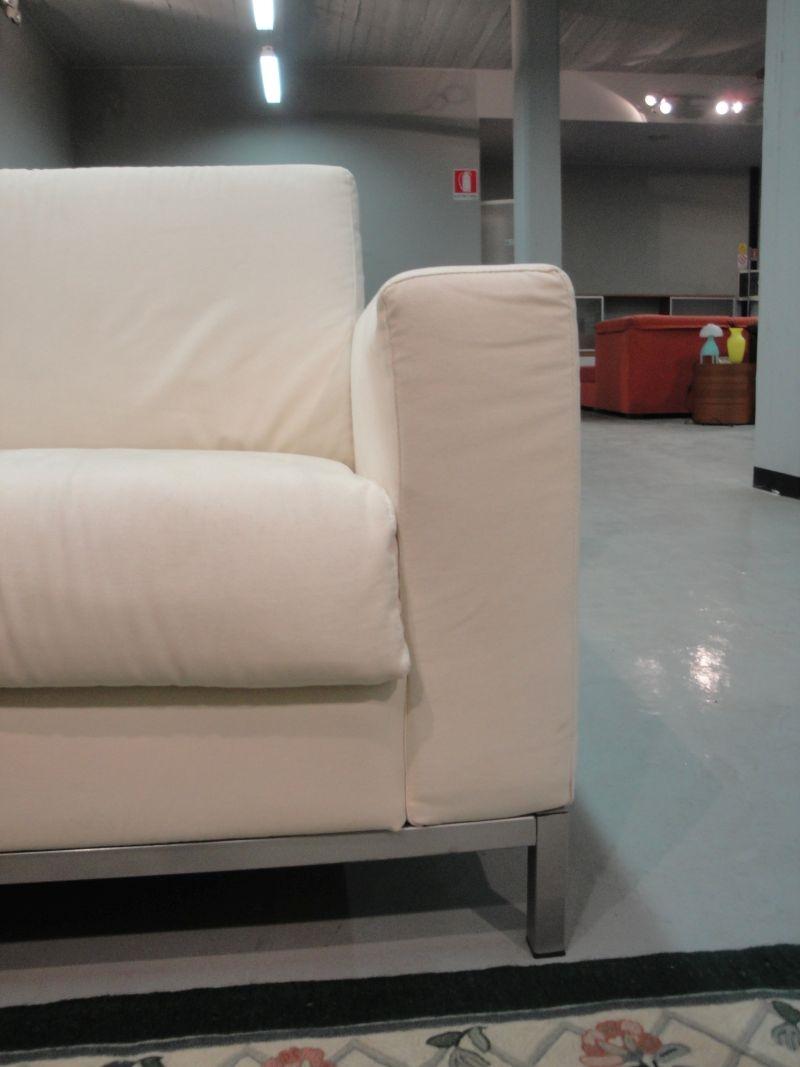 Meta design divano gim divani letto tessuto divano 3 posti for Divano letto 3 posti