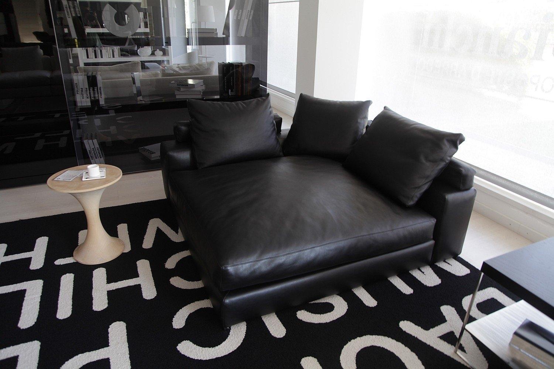 Minotti chaise longue jagger divani a prezzi scontati for Minotti cucine outlet
