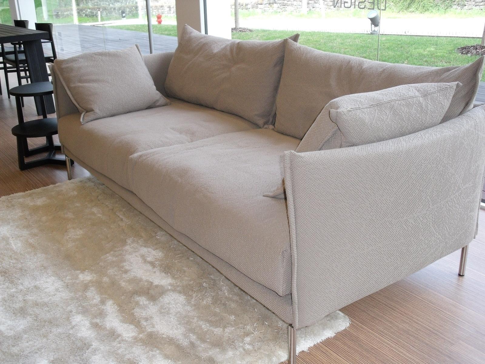 Moroso divano gentry tessuto divani a prezzi scontati for Divano tessuto