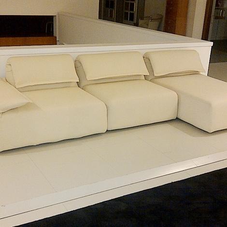 Moroso divano highlands design by patricia urquiola - Posizioni sul divano ...