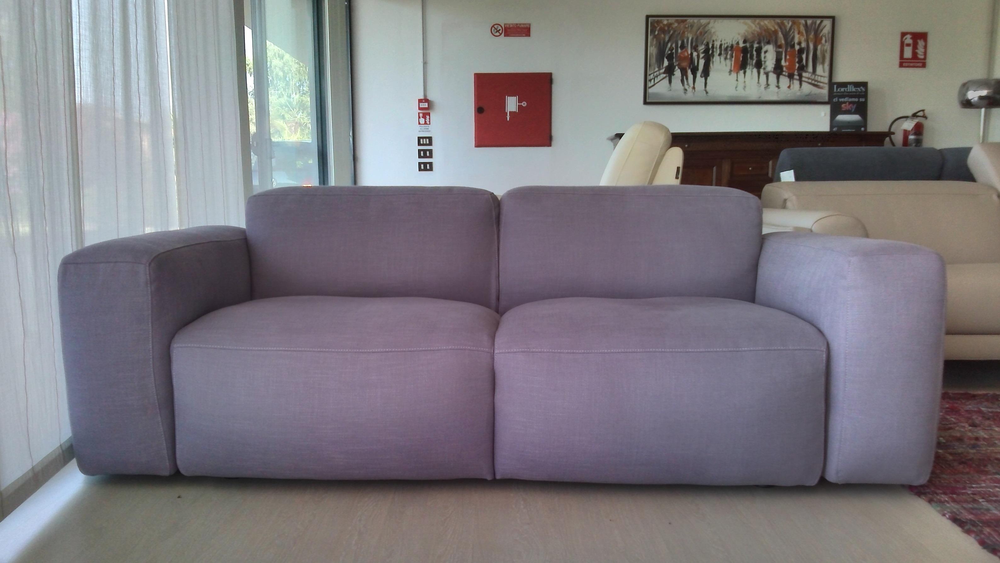Nicoline salotti divano piuma scontato del 60 divani for Divano 60 cm