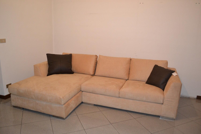 Outlet divani offerte divani online a prezzi scontati - Divano ad angolo prezzi ...