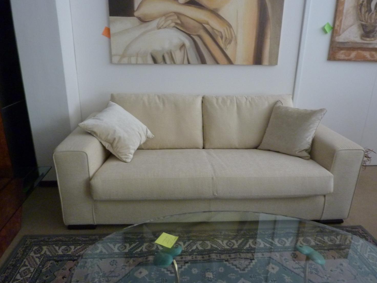 Offerta divano cava mod miami divani a prezzi scontati for Offerta divano