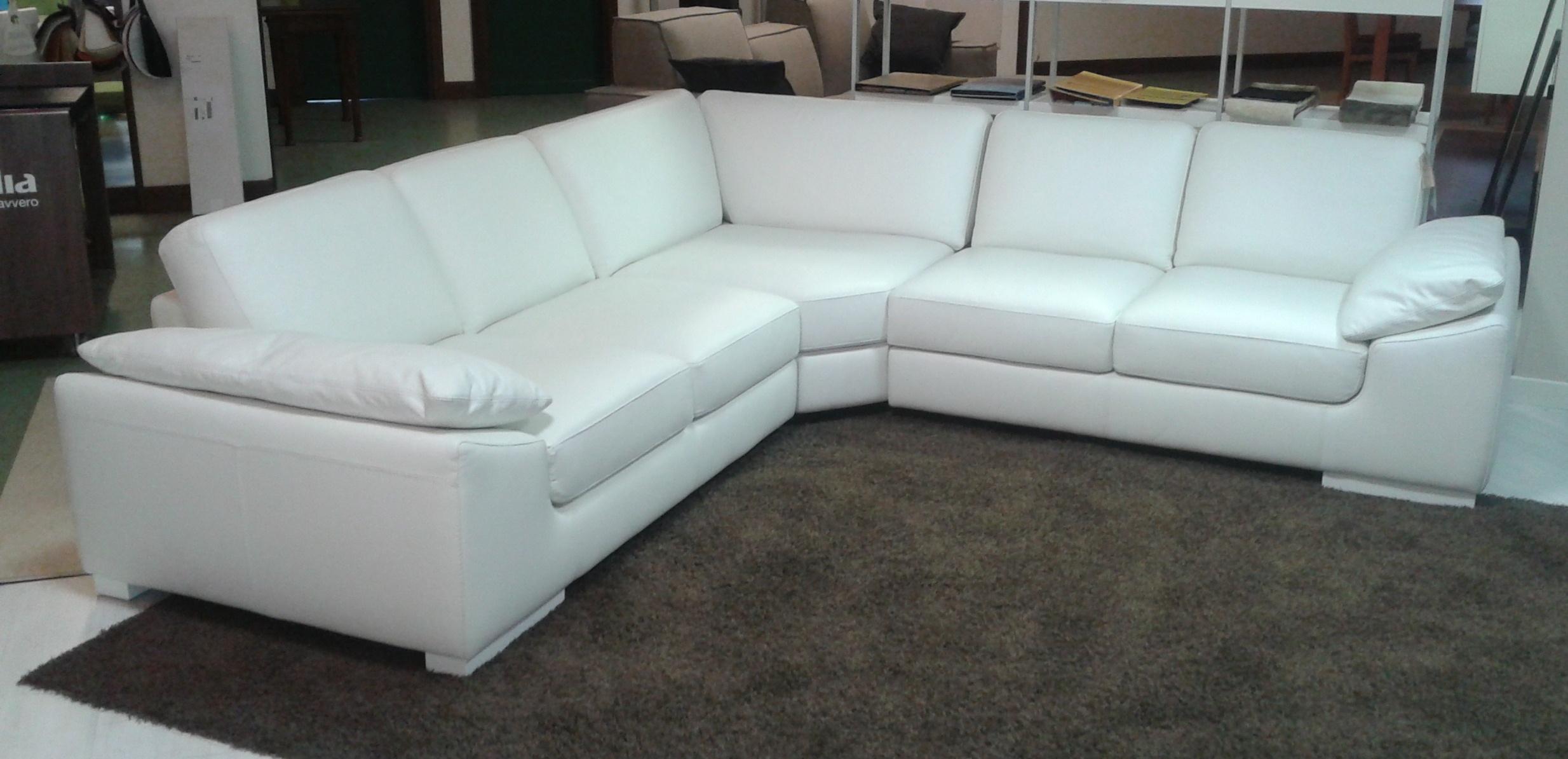 Offerta divano in pelle divani a prezzi scontati - Divano bianco in pelle ...