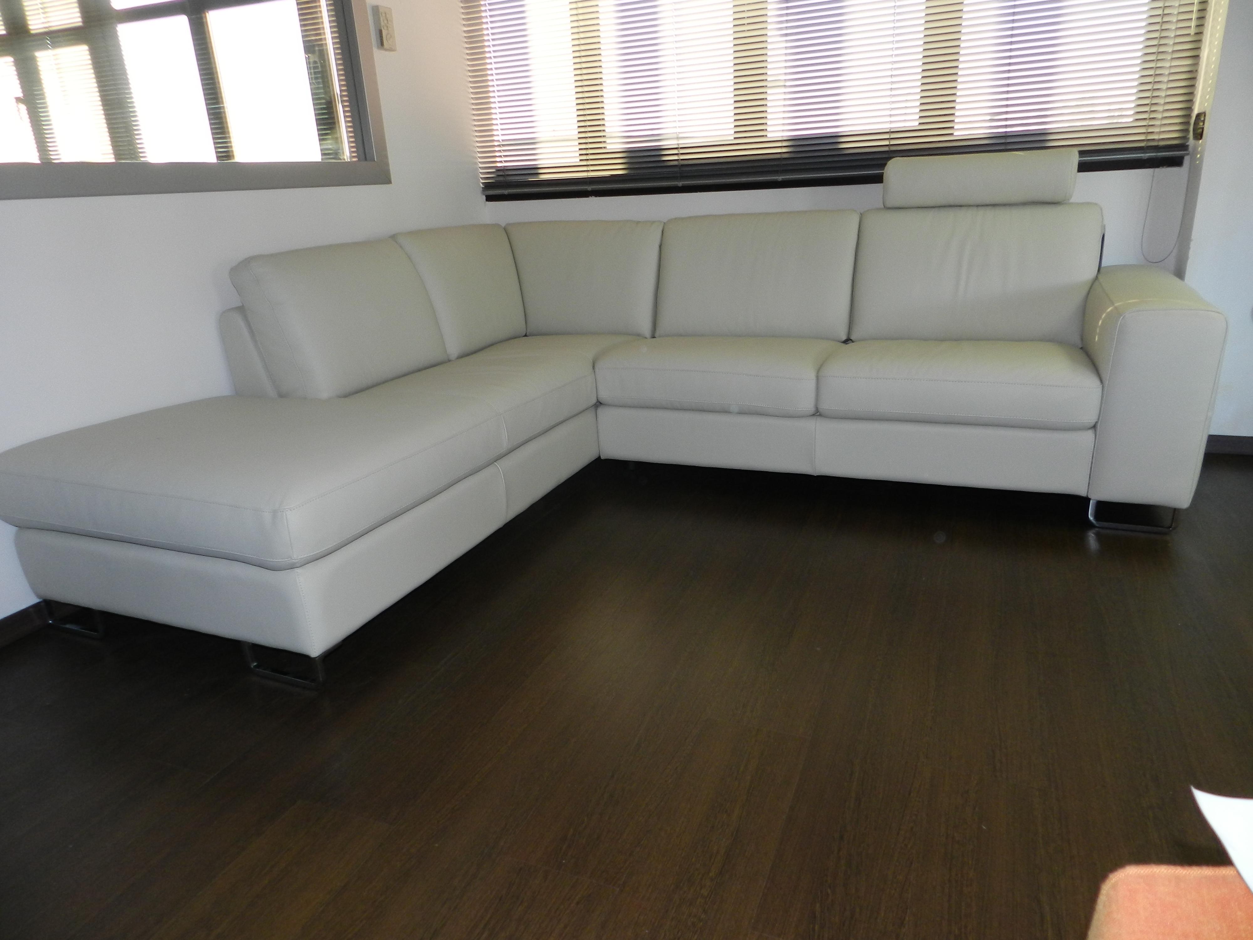 Divani Di Pelle : Divano doimo sofas richy pelle divani a prezzi