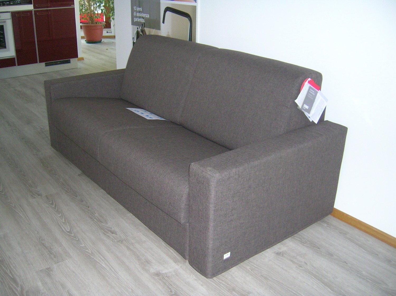 Offerta promozionale doimo 3650 divani a prezzi scontati - Divani letto doimo prezzi ...