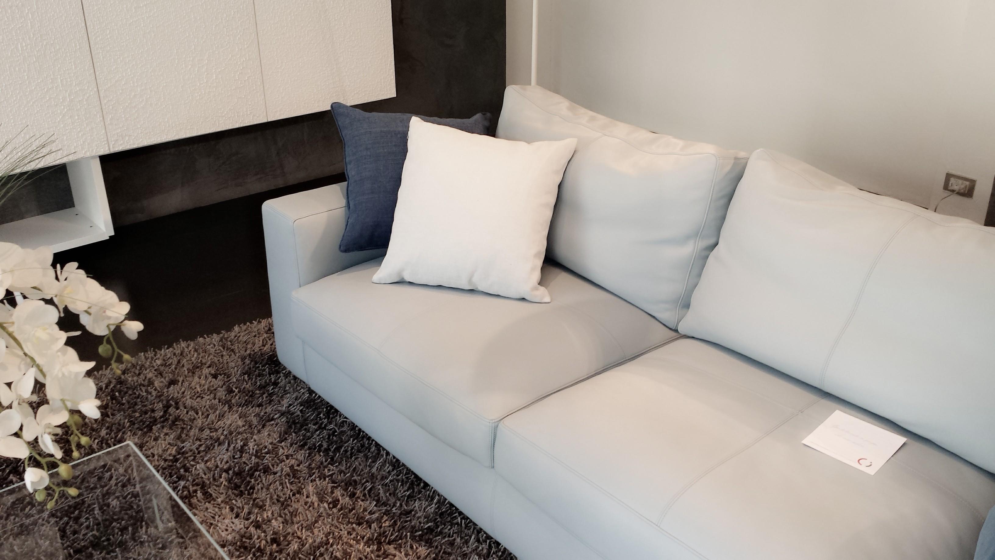 Offertissima poltrona frau divano divani a prezzi scontati for Poltrona frau prezzo