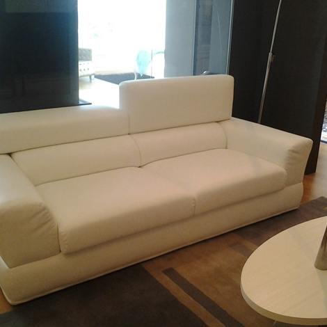 Outlet divano mod cervinia 5712 divani a prezzi scontati for Outlet arredamento puglia