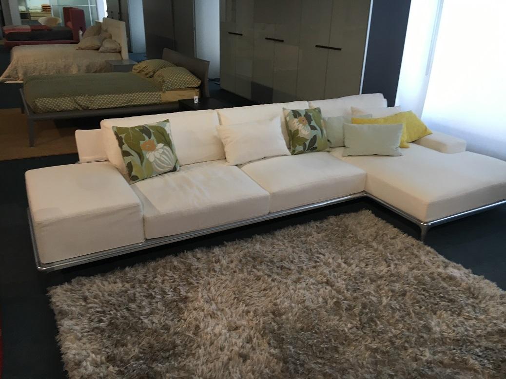 Divani poliform outlet idee per il design della casa for Outlet del divano
