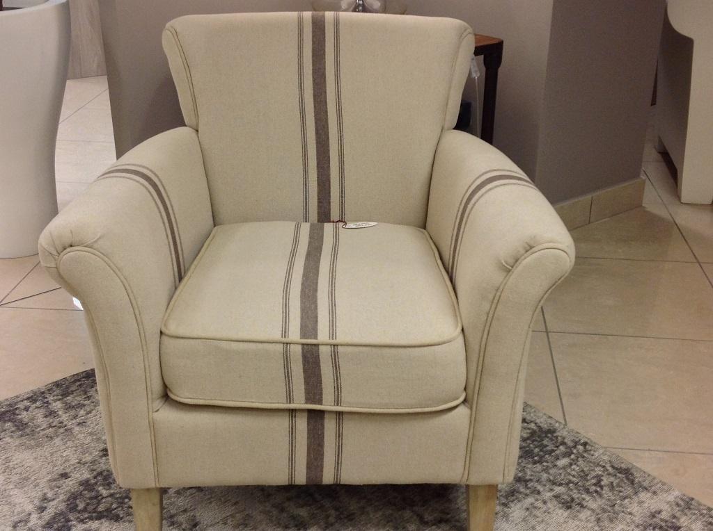 Poltrona beige riga marrone   divani a prezzi scontati