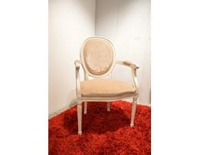 Poltrona di Produzione Artigianale. Rifinita in laccatura in stile provenzale Shabby Chic. Il rivestimento della seduta è realizzato in velluto di pregio.  Offerta Outlet Mobilgross. Scontata del -50%.