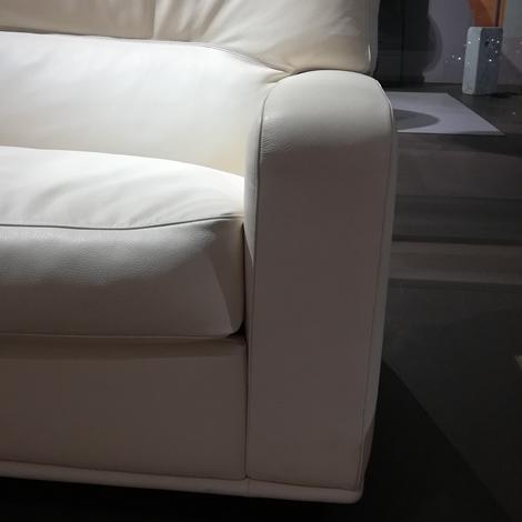 Poltrona frau divano salome 39 scontato del 30 divani a prezzi scontati - Divano frau prezzi ...