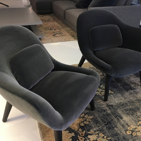 Poltroncina poliform modello mad chair scontata 35 for Divani poliform outlet