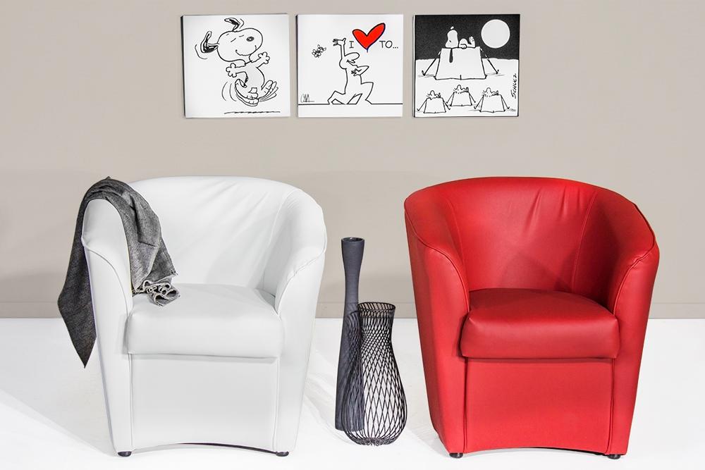 Poltroncina vogue bianca divani a prezzi scontati for Divani quale marca scegliere