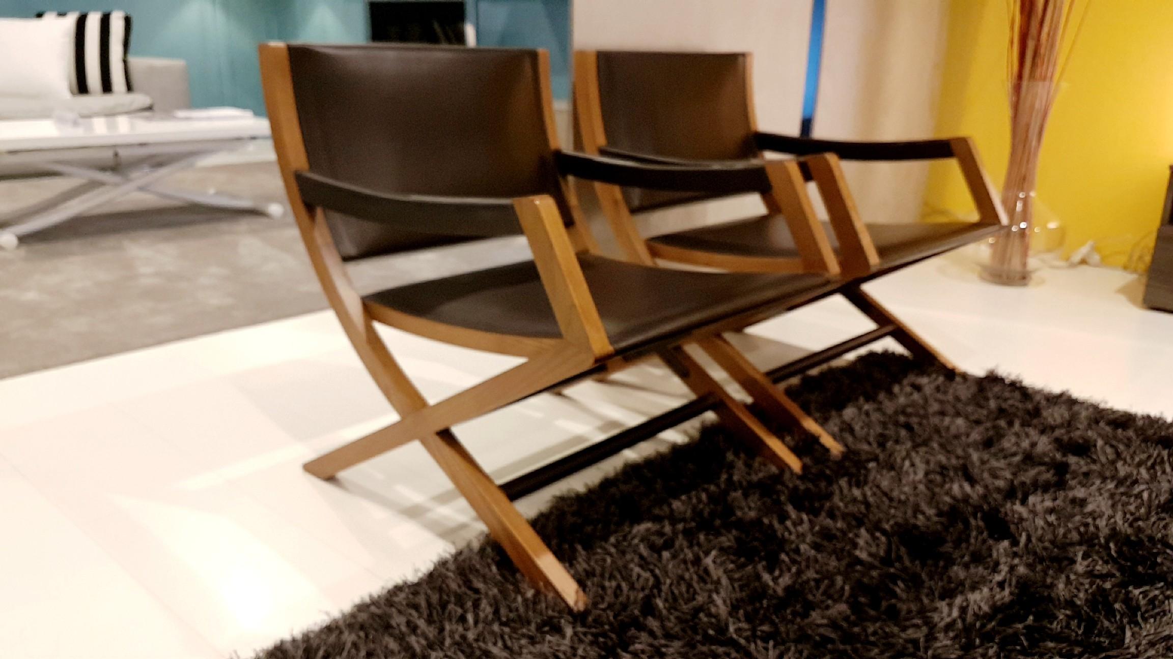 Poltrone flexform emily legno e cuoio scontate del 38 for Poltrone relax in legno