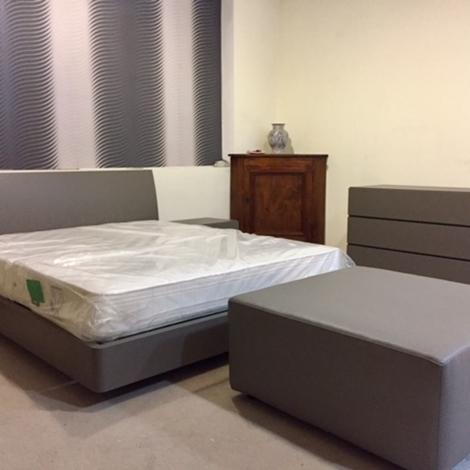 Pouf doimo sofas metropolitan 90x90 h 43 in pelle grigio beige divani a prezzi scontati - Doimo sofas prezzi ...