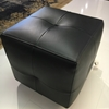 pouf in pelle nera Poliform