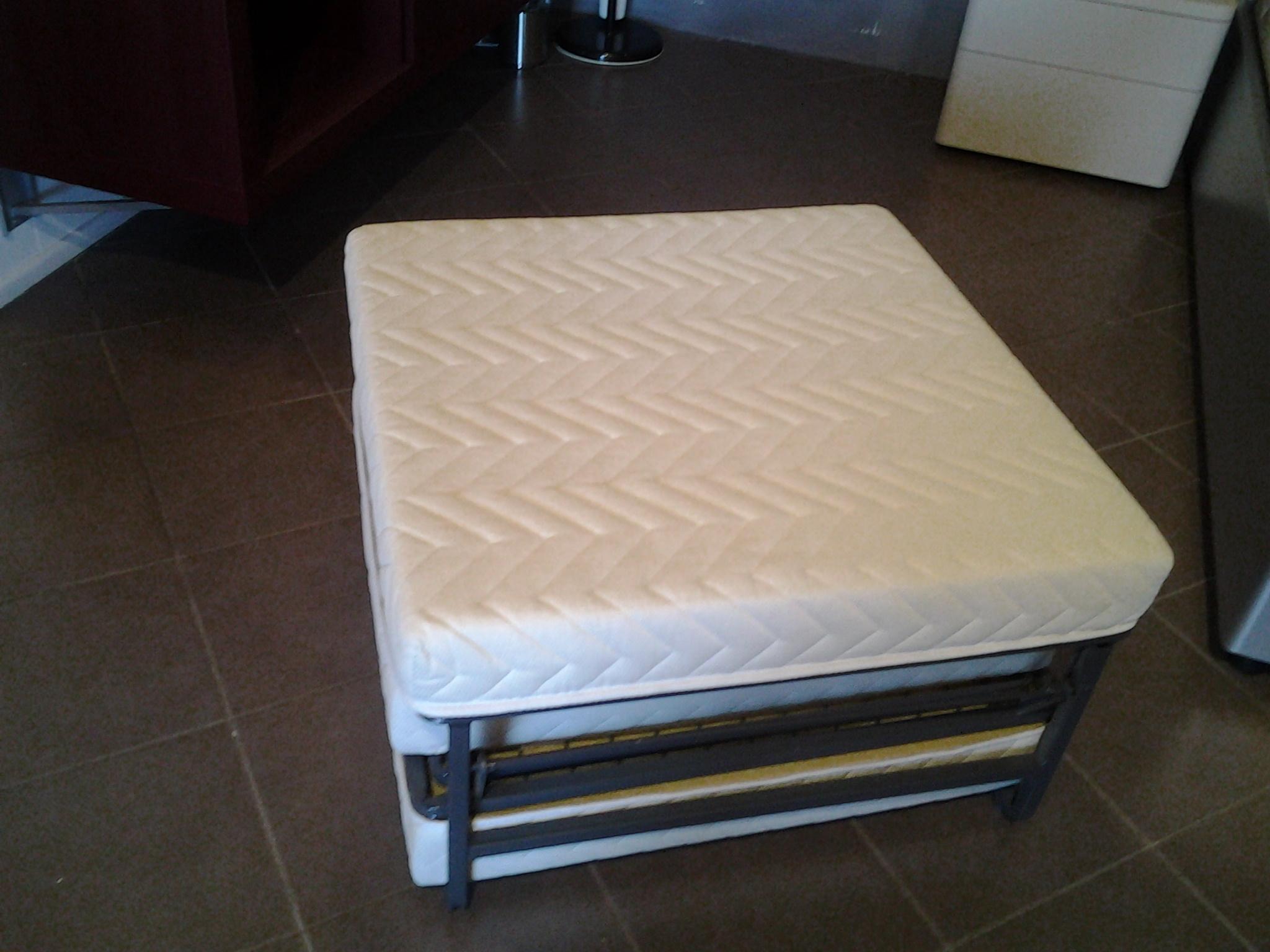 Beautiful pouf letto prezzi images for Divani letto prezzi bassi