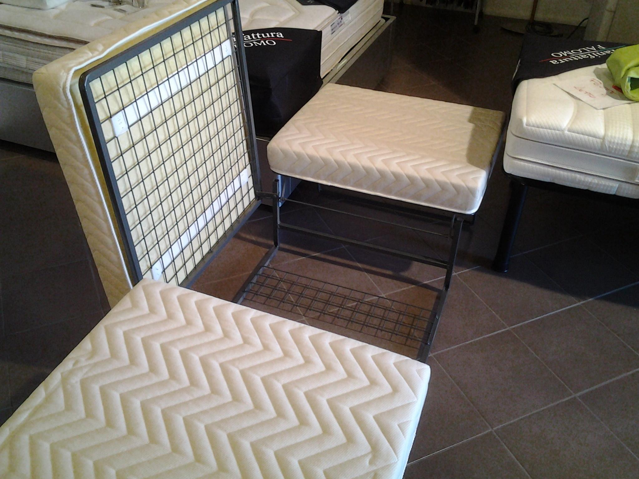 Campeggi divani prezzi disegno idea prezzi divano letto - Pouf letto economico ...