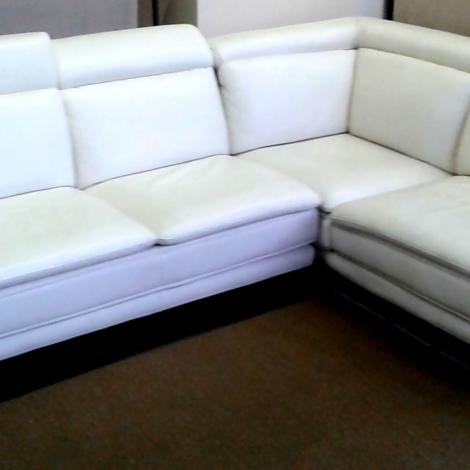 Promozione divano in pelle bianca divani a prezzi scontati for Divani pelle bianca