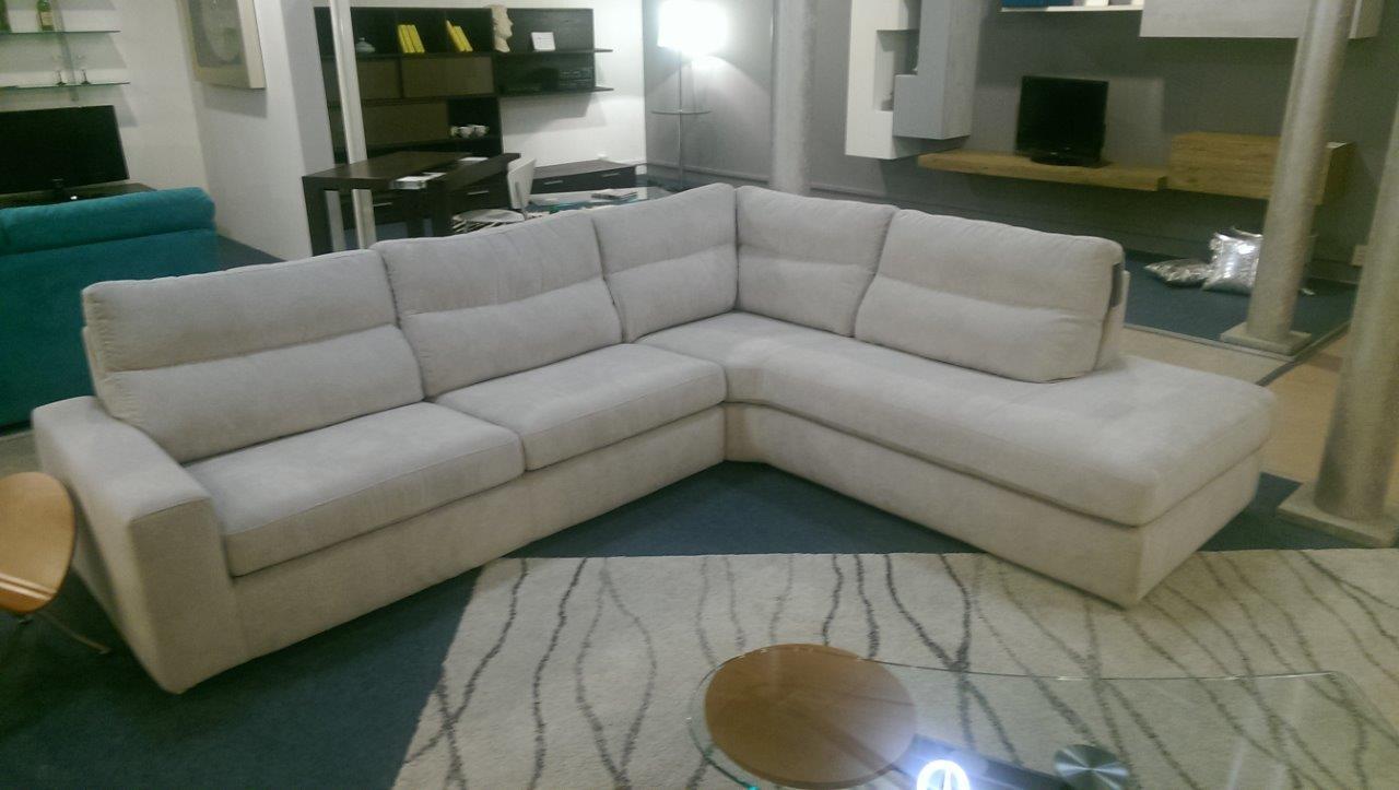 Rigo salotti divano kommodo scontato del 45 divani a - Altezza seduta divano ...
