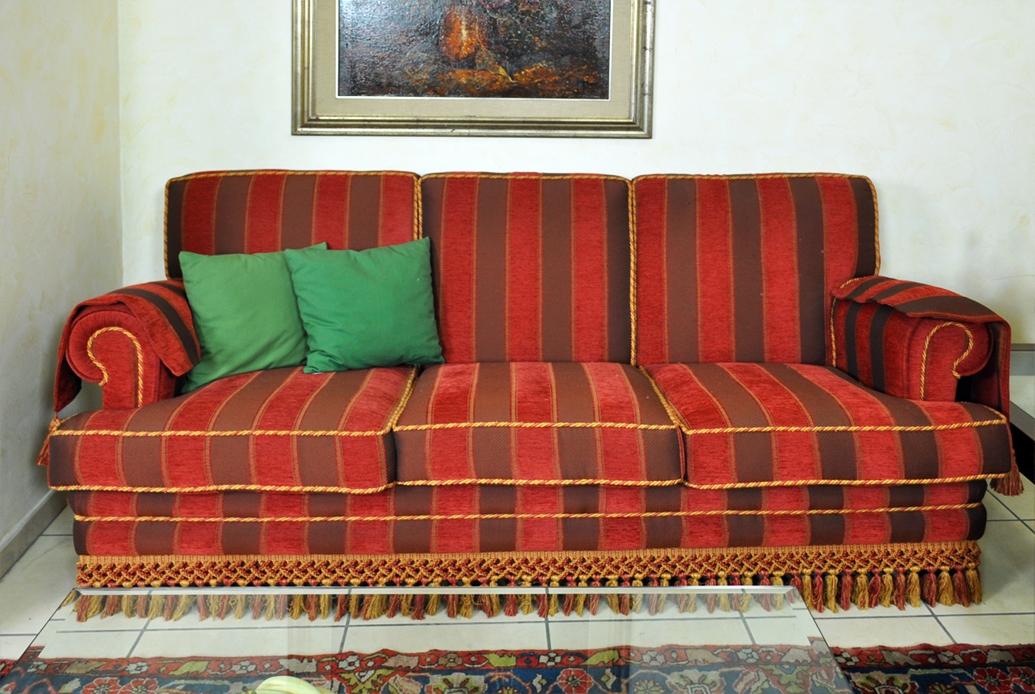 Salotto classico divano 3 posti letto 2 posti offerta for Divani letto 2 posti in offerta