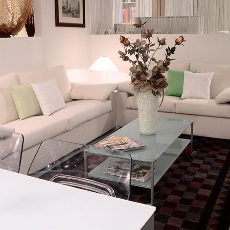 Salotto loft essenziali divani a prezzi scontati for Migliore marca divani
