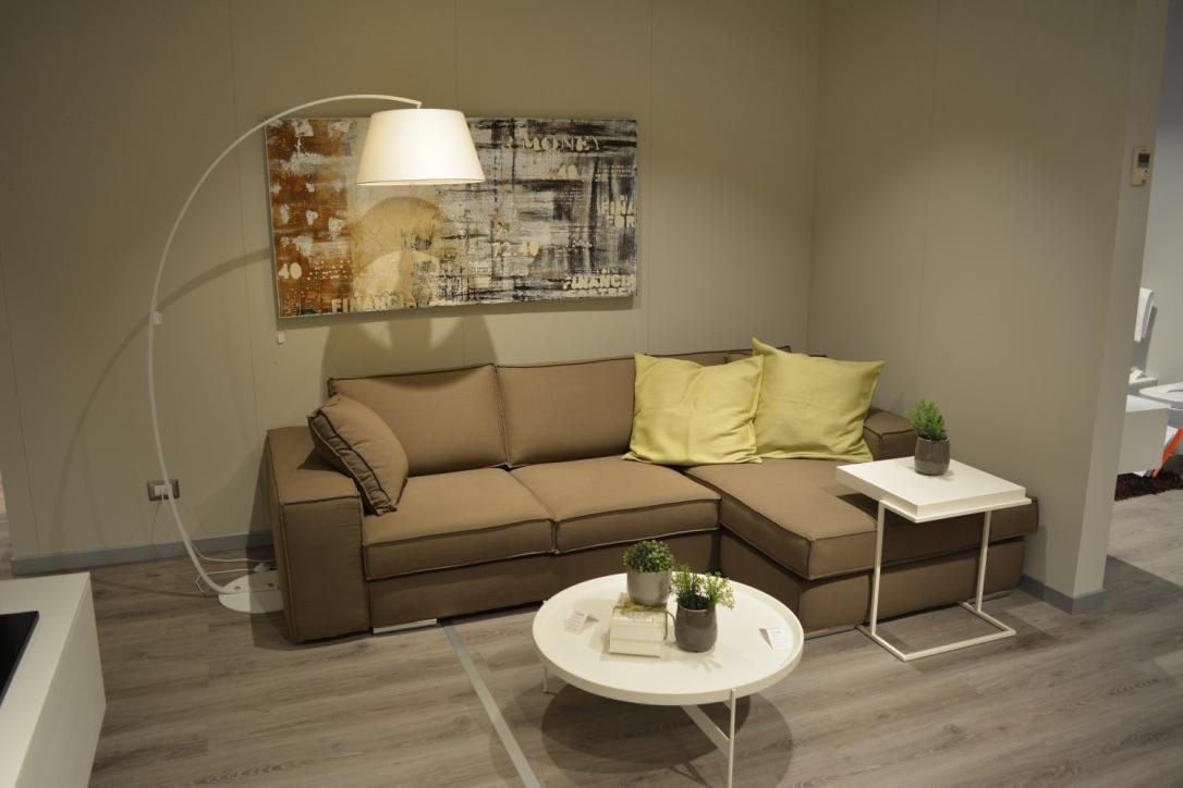 Outlet arredamento lissone lo ha fatto ideando e creando for Outlet arredamento divani