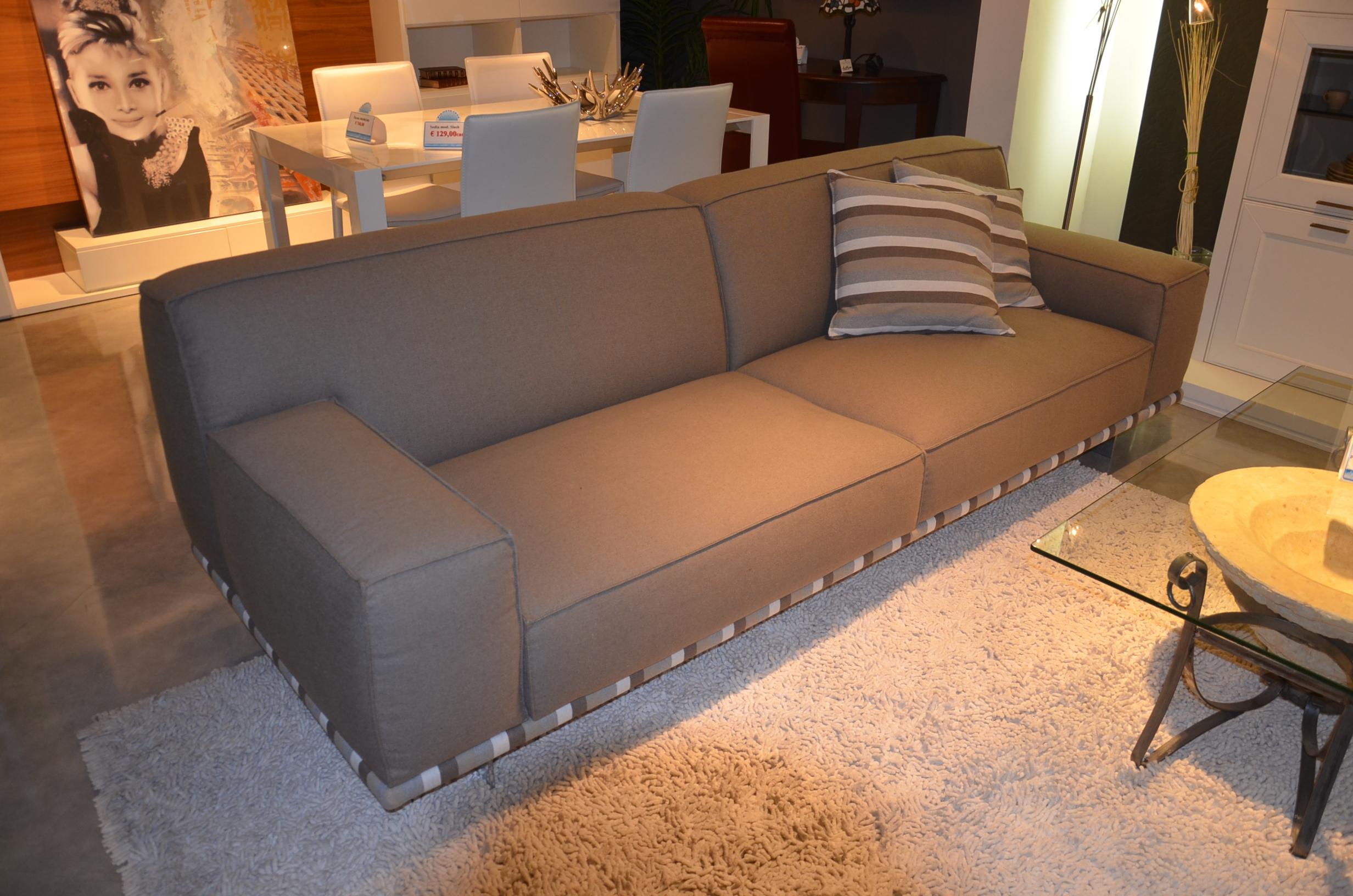 Salotto tre posti maxi divani a prezzi scontati for Lunghezza divano tre posti